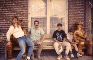 1989-07-shaniko-hotel